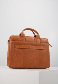 Strellson - HYDE PARK BRIEFBAG - Briefcase - cognac - 2