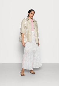 Tommy Hilfiger - ICON PLEATED LONG SKIRT - Maxi sukně - white - 1