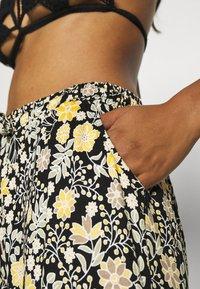 LASCANA - Beach accessory - schwarz-gelb - 3