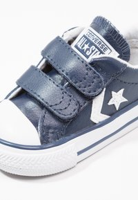 Converse - STAR PLAYER INFANT - Baby shoes - navy/white - 2