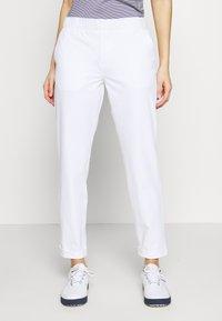 Under Armour - LINKS PANT - Kalhoty - white / mod gray - 0