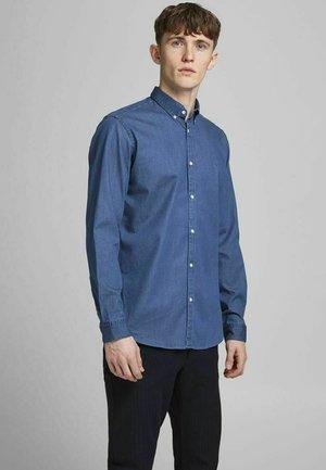 SLIM FIT - Skjorta - medium blue denim