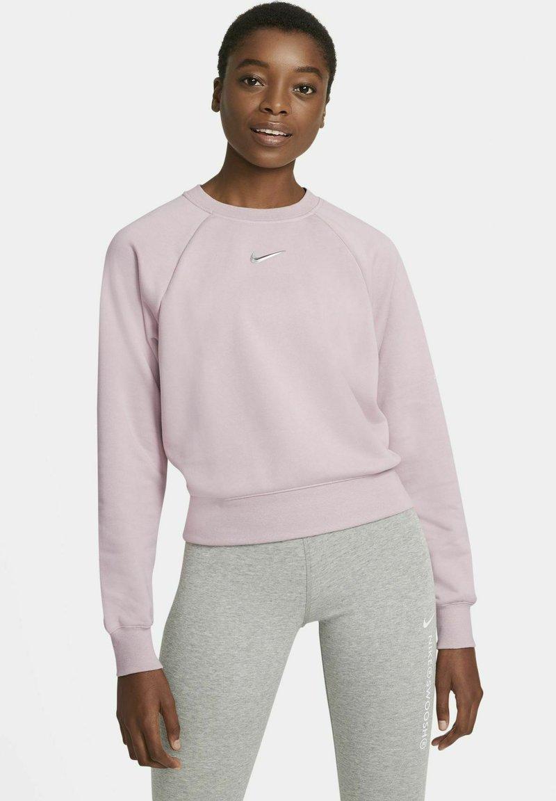 Nike Sportswear - CREW  - Sweatshirt - champagne/white