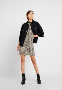ONLY - ONLEVERLY RAGLAN JACKET YORK - Denim jacket - black - 1