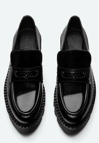 Uterqüe - Slip-ins - black - 3