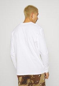 STAPLE PIGEON - UNISEX CLASSIC LONG SLEEVE TEE - Long sleeved top - white - 2
