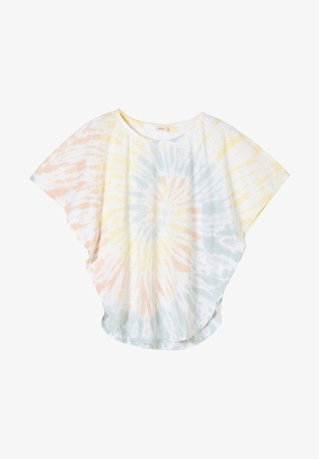 T-shirt print - white batik