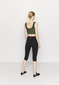 Cotton On Body - STRIPE CAPRI - Leggings - black - 2