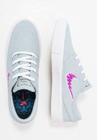 Nike SB - ZOOM JANOSKI - Sneakers laag - light armory blue/vivid purple/white /light brown - 1