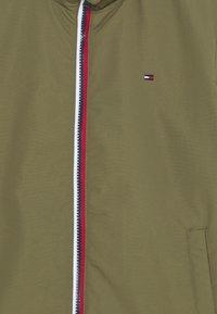 Tommy Hilfiger - ESSENTIAL JACKET - Light jacket - green - 3