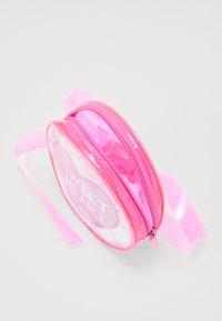 Sunnylife - BUM BAG - Käsilaukku - pink - 4