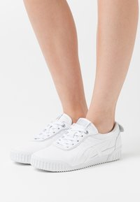Onitsuka Tiger - DELEGATION  - Sneakers laag - white - 0