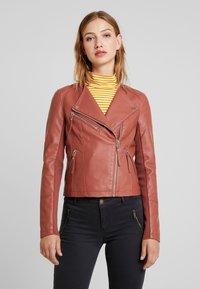 Vero Moda - RIAFAV SHORT JACKET - Faux leather jacket - mahogany - 0