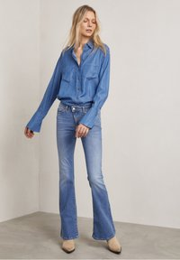 Hunkydory - Bootcut jeans - used light blue - 3