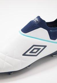 Umbro - MEDUSÆ III ELITE FG - Moulded stud football boots - white/medieval blue/blue radiance - 6