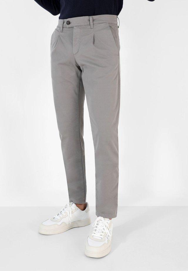 Chino - grey