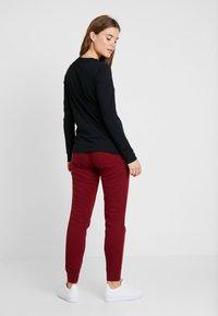 Nike Sportswear - TEE ICON - Long sleeved top - black/white - 2