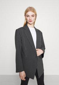 Weekday - MARLIN OVERSIZED - Short coat - grey - 3