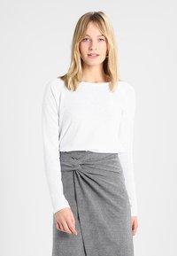 Rich & Royal - HEAVY LONGSLEEVE - Long sleeved top - white - 0