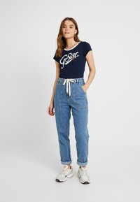 G-Star - GRAPHIC LOGO SLIM - Camiseta estampada - sartho blue - 1