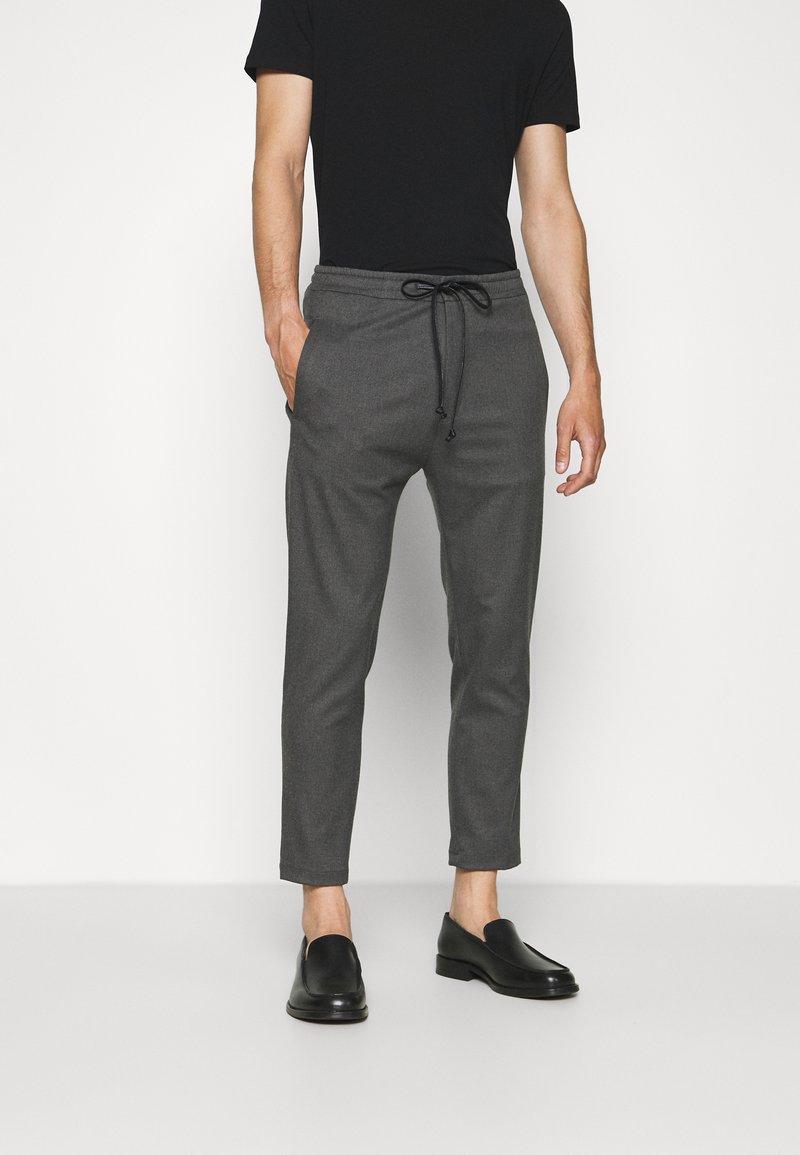DRYKORN - JEGER - Pantalon classique - grau