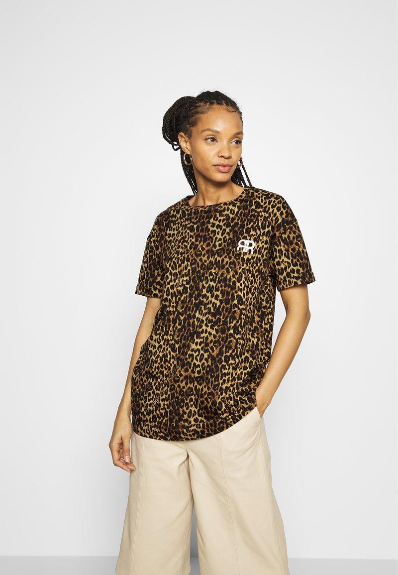 River Island - Print T-shirt - brown/black