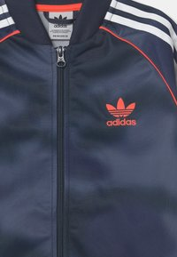 adidas Originals - CAMO SUPERSTAR UNISEX - Training jacket - crew blue/white/solar red - 2