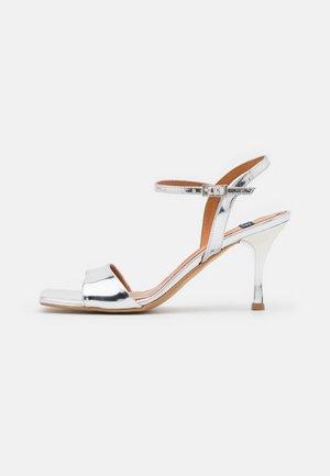 Sandals - mirror plata