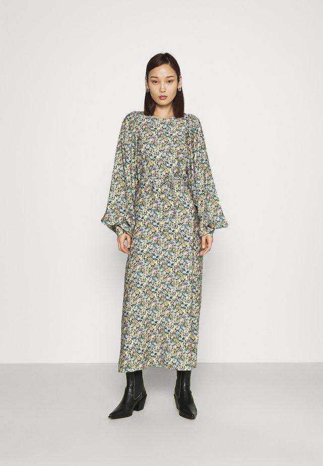 DELLA DRESS - Kjole - mischfarben