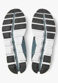 On Running - CLOUD TIDE MAGNET - Stabilty running shoes - tide magnet - 4