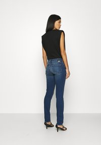Mavi - LINDY - Jeans slim fit - dark brushed glam - 2