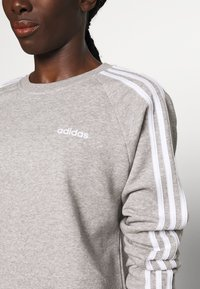 adidas Performance - CREW - Sweatshirt - medium grey heather - 5