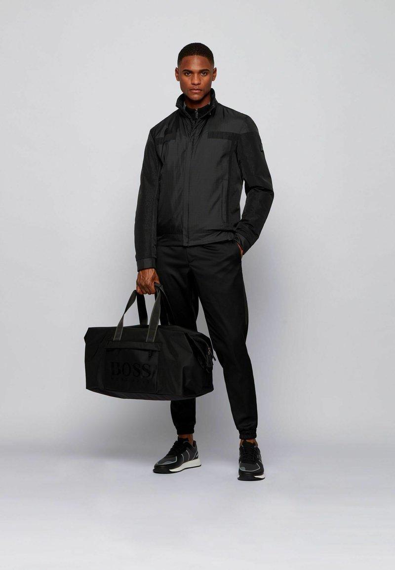 BOSS - Weekend bag - black