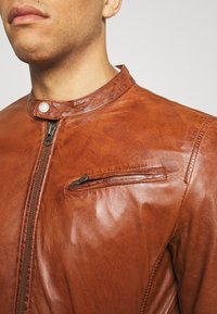 Freaky Nation - EASY JIM - Leather jacket - cognac - 5
