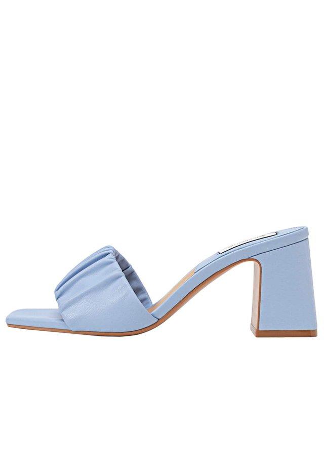 Chaussures de mariée - blue