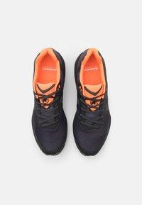 Mammut - SERTIG II LOW GTX - Hiking shoes - black/vibrant orange - 3