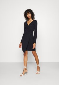 4th & Reckless - OXFORD DRESS - Etuikleid - navy - 0