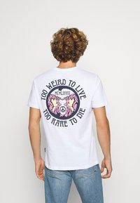 YOURTURN - UNISEX TEE  - T-shirt med print - white - 2