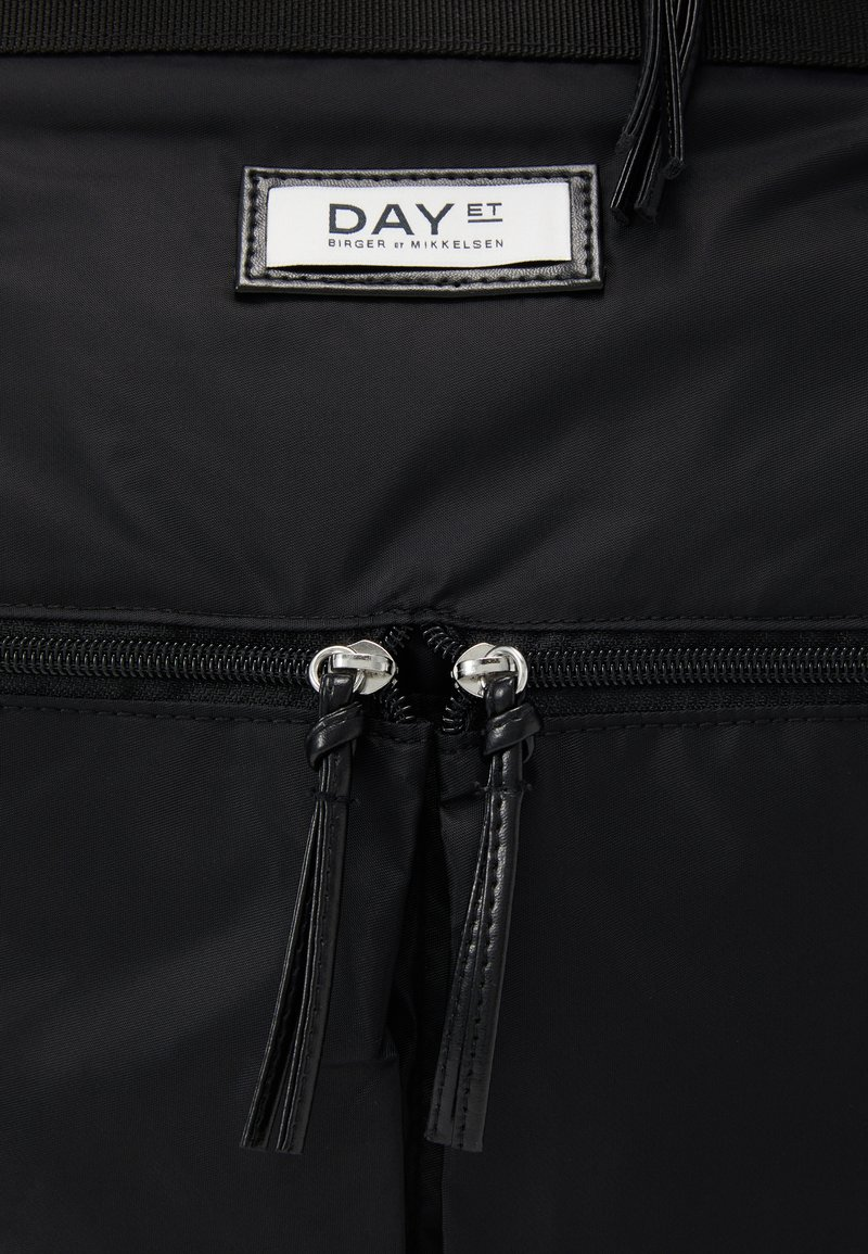 DAY ET GWENETH TOTE - Ryggsäck - black