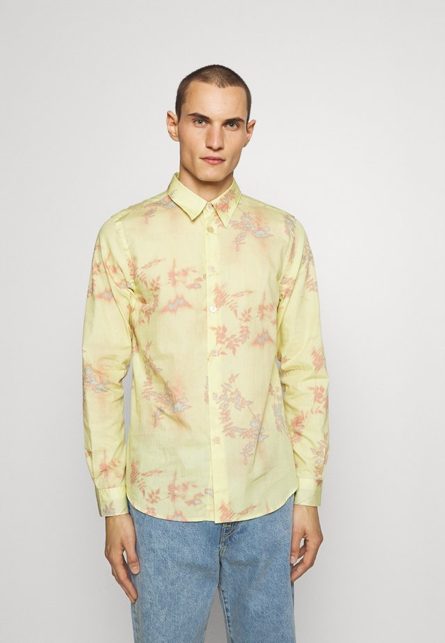 TAILORED FIT  - Shirt - yellow