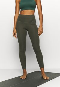 Nike Performance - THE YOGA 7/8 - Tights - cargo khaki/medium olive - 0