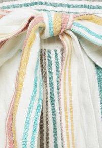 ONLY Carmakoma - CARSTACYI - Shorts - desert sage/multi stripes - 5