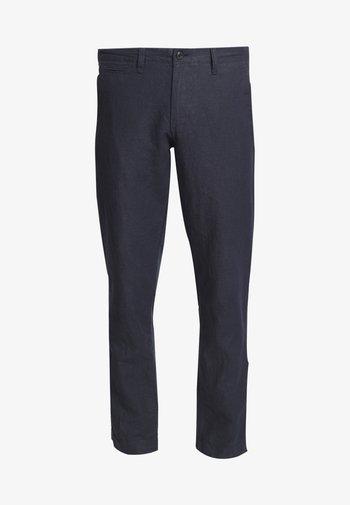 NEW SLIM PANTS