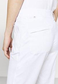 Calvin Klein Golf - ARKOSE TROUSER - Trousers - white - 3