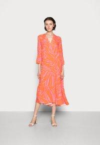 Emily van den Bergh - Day dress - orange/pink - 0