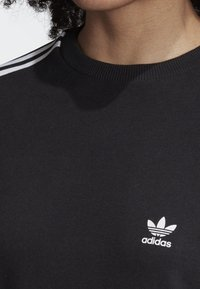 adidas Originals - 3-STRIPES T-SHIRT - T-shirts print - black - 4