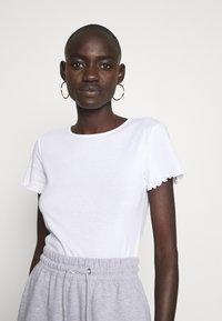 Dorothy Perkins Tall - LETTUCE EDGE TEE 2 PACK  - Basic T-shirt - black/white - 2
