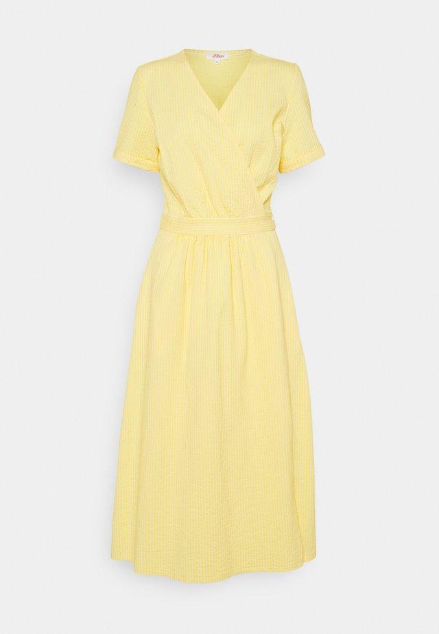Sukienka letnia - sunset yellow