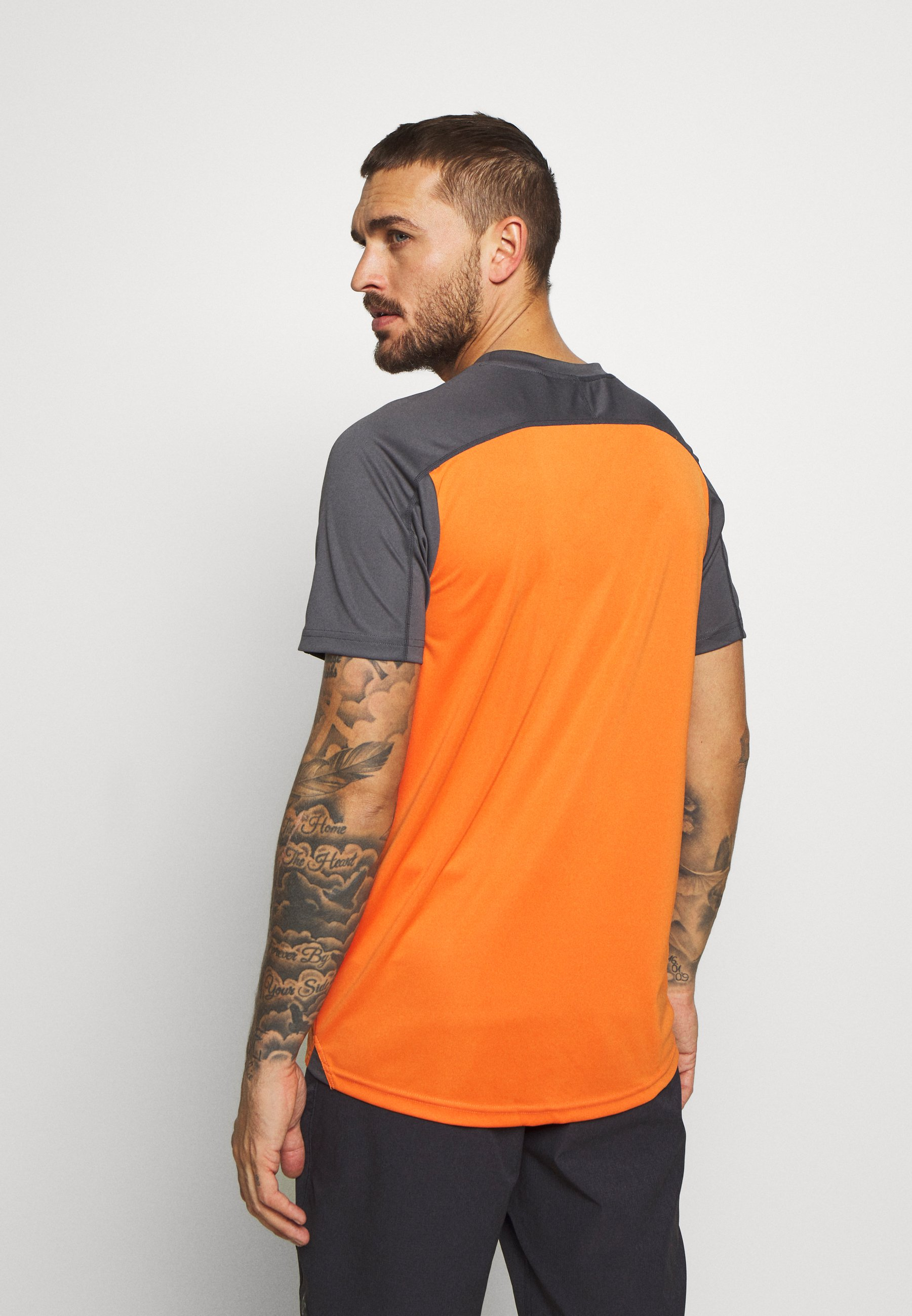 Duża obniżka Gorąca wyprzedaż ION TEE TRAZE - Koszulka sportowa - riot orange | Odzież męska 2020 VdzK7