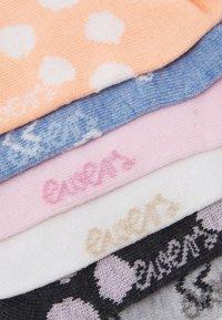 Ewers - SNEAKERSOCKS HEARTS 6 PACK - Socks - pink/blue - 1